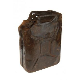 Tanque gasoil antiguo metal